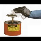 クリーナーをワイパーに素早くかつ安全に含浸させるプランジャー缶